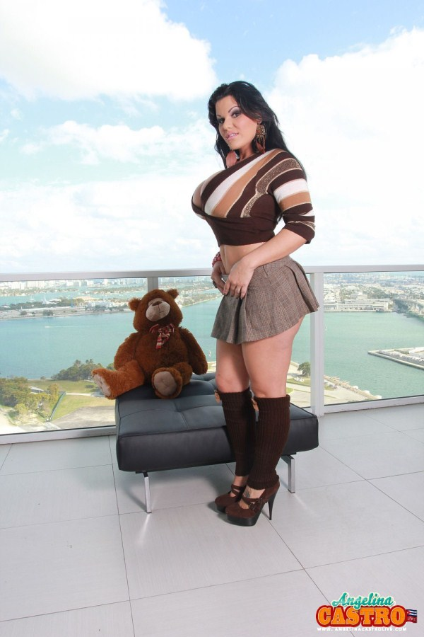 Latin BBW Angelina Castro teasing you with her bare curves  1080334