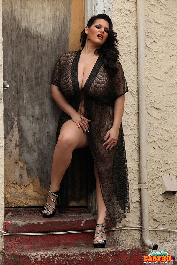 Latin BBW Angelina Castro teasing you with her bare curves  1080286